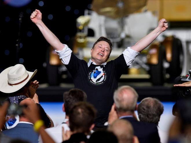 Đây là nỗi lo lớn nhất của Elon Musk dù SpaceX vừa đưa con người lên vũ trụ thành công - Ảnh 1.
