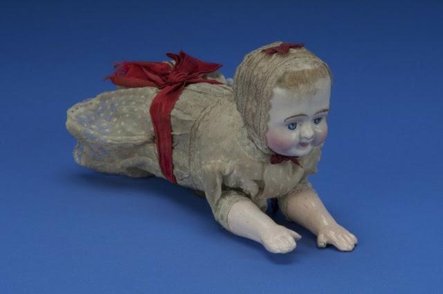 Búp bê của hơn 100 năm về trước: Ai mà ngờ món đồ chơi đáng yêu dành cho trẻ em từng có hình dạng kinh dị gây mất ngủ - Ảnh 8.