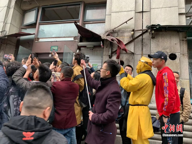 Chuyện về bậc thầy lang thang ở Thượng Hải: Cuộc sống 7 năm đi bụi bình yên bất ngờ rơi vào bể khổ khi nổi tiếng trên MXH - Ảnh 4.