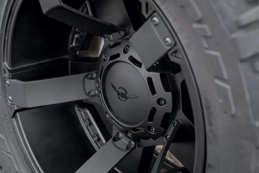 Cùng xem bên trong siêu XUV giá 295.000 USD với hệ thống nhìn đêm, giáp chống đạn và màn khói - Ảnh 13.