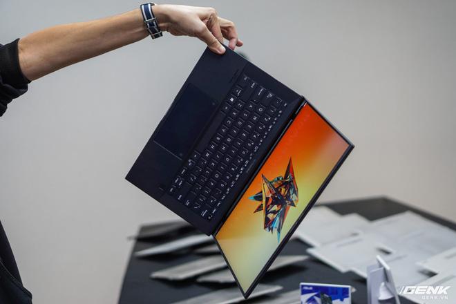 ASUS chính thức đưa hai dòng laptop mới dành cho doanh nhân và sáng tạo nội dung về Việt Nam, có món giá chạm nóc 270 triệu đồng - Ảnh 2.