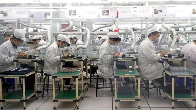 Apple thừa nhận thất bại: Công nhân Foxconn lắp ráp iPhone tốt hơn nhiều so với máy móc tự động - Ảnh 5.