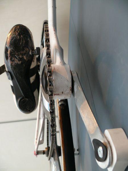 Chiếc xe đạp điện này sử dụng động cơ làm từ linh kiện máy giặt, có thể đạt vận tốc tối đa 110km/h - Ảnh 4.