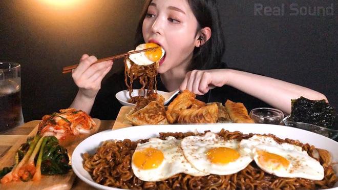 Chỉ cần ngồi ăn rồi đăng video lên mạng, nhiều YouTuber xứ Hàn kiếm được… hàng chục tỷ đồng mỗi tháng - Ảnh 13.