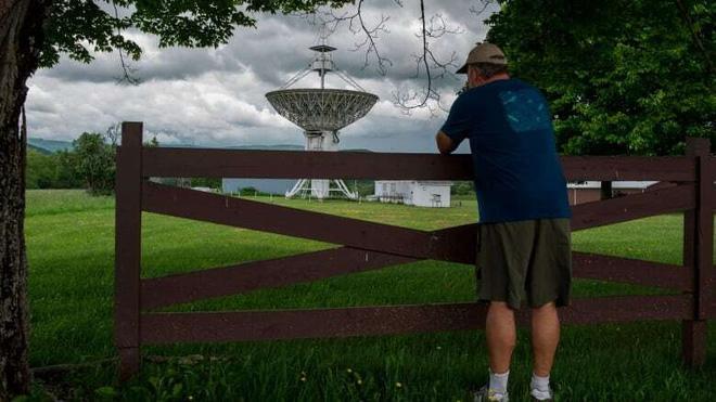 Thị trấn cấm sử dụng điện thoại di động, cấm luôn cả Wi-Fi, ai vi phạm là bị bế về đồn luôn - Ảnh 8.