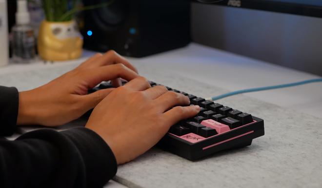Quá mê BLACKPINK, anh chàng YouTuber tự tạo bàn phím cơ với phong cách Hắc Hường vô cùng bắt mắt - Ảnh 25.