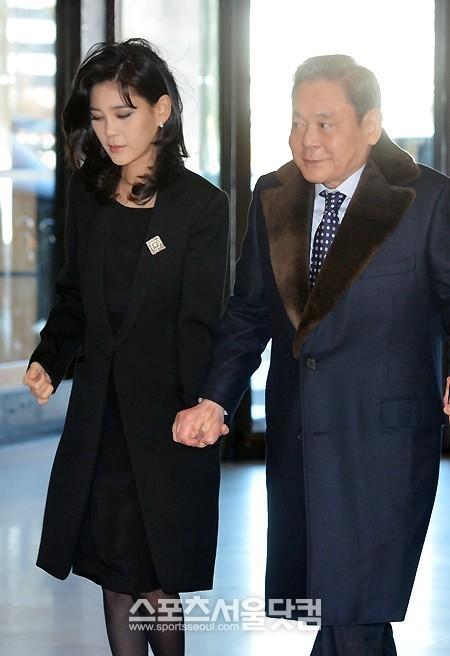 Cuộc đời sóng gió của 'công chúa Samsung', nữ tỷ phú giàu nhất Hàn Quốc: Bên ngoài hào nhoáng, bên trong đầy bi kịch - Ảnh 2.