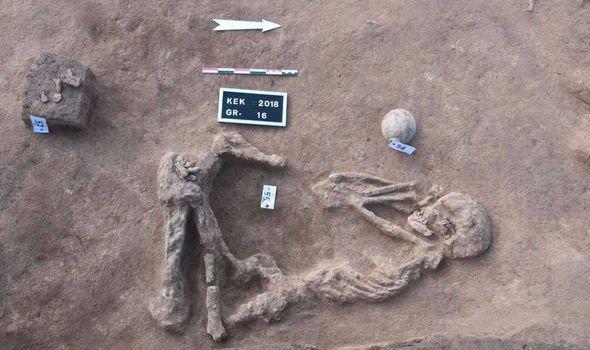 Đồng vị strontium trong các bộ hài cốt ở thủ đô Hyksos cổ đại đã tiết lộ nguồn gốc xuất thân của họ.