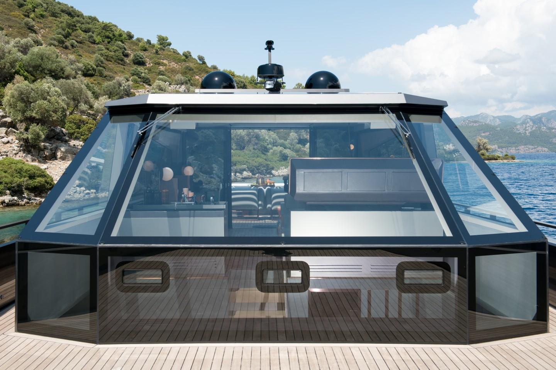 Du thuyền siêu sang làm bằng carbon tổng hợp và kính chống đạn - Ảnh 4.