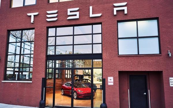 Vì sao Tesla đang độc chiếm thị trường xe điện? - Ảnh 1.