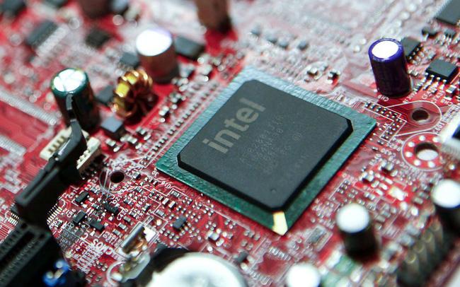 CEO tuyên bố dự định gây sốc, cổ phiếu Intel lao dốc 20% - Ảnh 1.