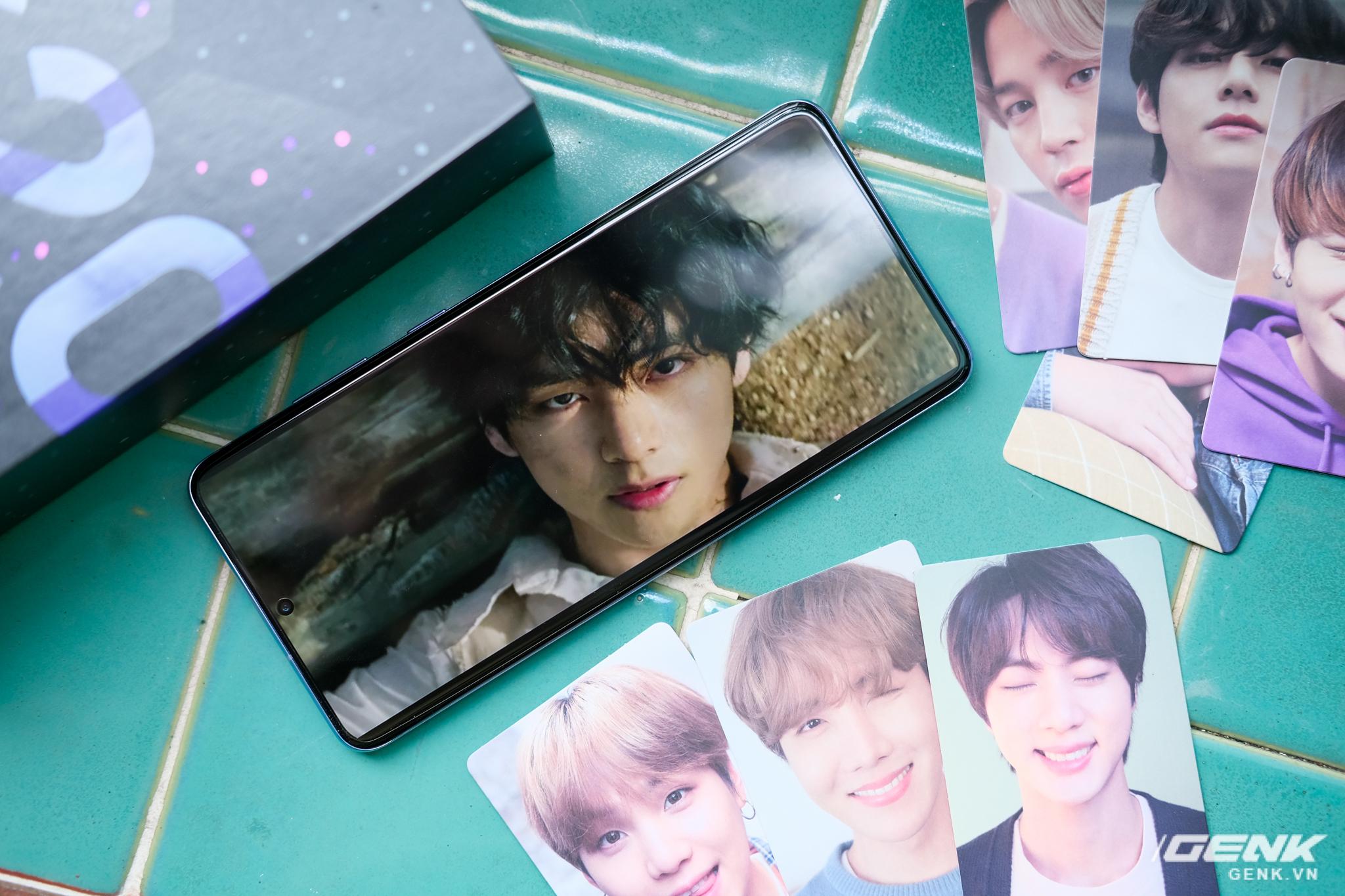 Mở hộp Galaxy S20+ phiên bản BTS: Màu tím hồng dễ thương, nhiều quà kèm theo dành riêng cho các fan A.R.M.Y - Ảnh 15.