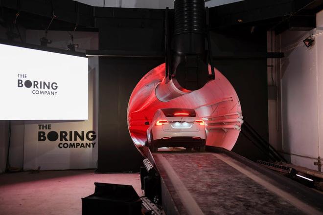 Elon Musk tổ chức cuộc thi xem ai đào đường hầm nhanh hơn ốc sên vào năm tới - Ảnh 1.