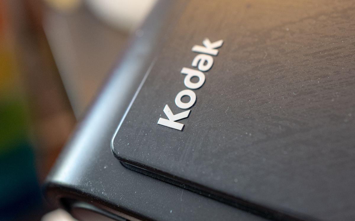 Thương vụ chuyển mình thành công ty dược phẩm của Kodak bị hoãn lại, để Chính phủ Mỹ điều tra các hành vi gian lận