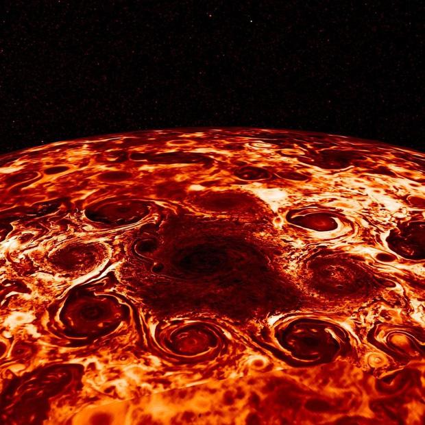 NASA tung ảnh chụp bề mặt Sao Mộc hệt như miếng pizza khổng lồ khiến nhiều tâm hồn ăn uống không khỏi rung rinh - Ảnh 1.