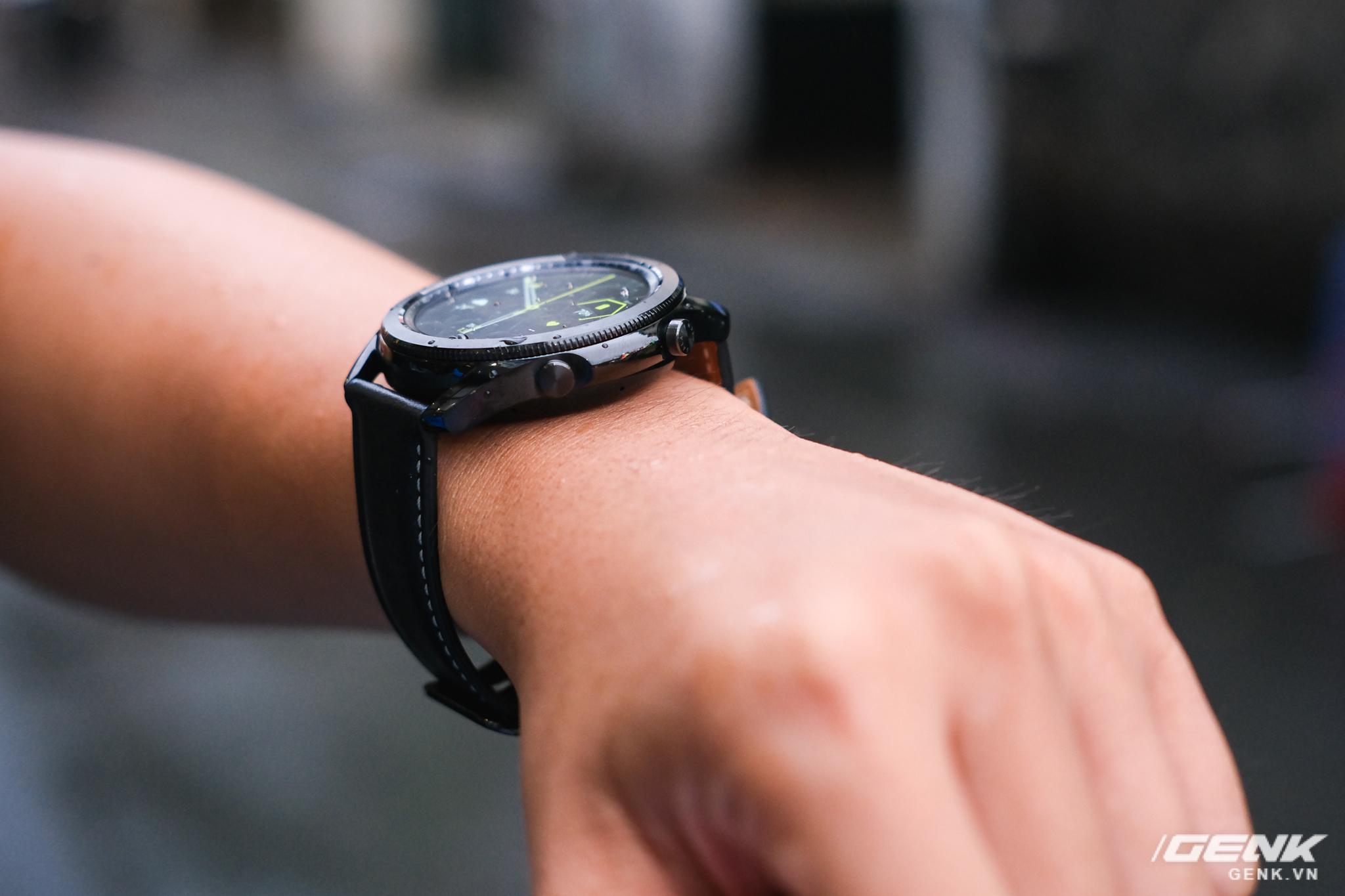 Mở hộp Galaxy Watch3 mặt 45mm: Thiết kế thanh lịch hơn, trang bị khả năng đo nồng độ oxy trong máu, có hơn 120 bài tập tại nhà, bản GPS giá từ 9,99 triệu đồng - Ảnh 14.