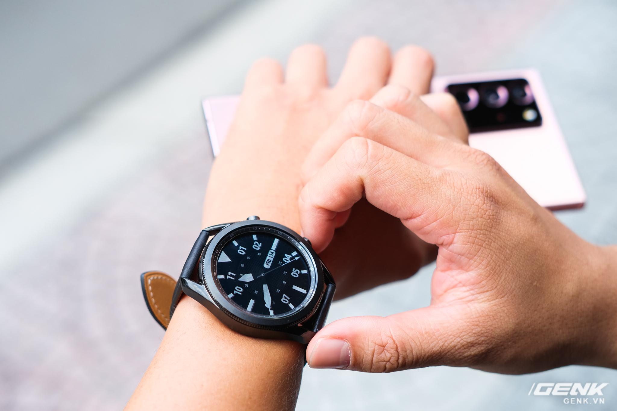 Mở hộp Galaxy Watch3 mặt 45mm: Thiết kế thanh lịch hơn, trang bị khả năng đo nồng độ oxy trong máu, có hơn 120 bài tập tại nhà, bản GPS giá từ 9,99 triệu đồng - Ảnh 8.