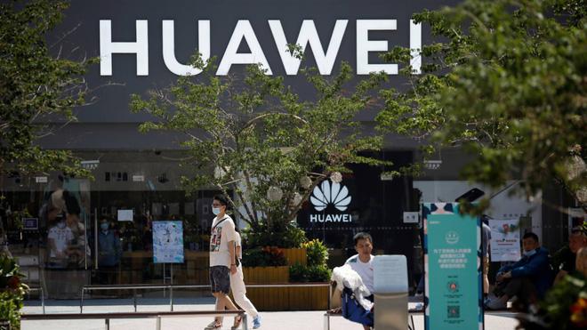 Đòn trừng phạt của Mỹ phát huy tác dụng, cả Huawei và ZTE phải giảm tốc độ lắp đặt trạm 5G - Ảnh 1.