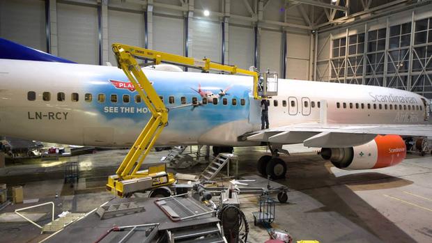 Những lý do nào khiến việc sơn một chiếc máy bay cũng có thể tốn đến 7 tỉ đồng và mất nửa tháng mới hoàn thành xong được? - Ảnh 4.