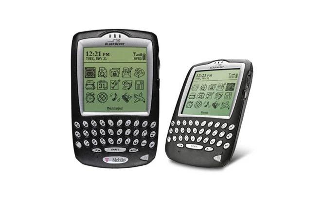 Cùng nhìn lại những chiếc điện thoại BlackBerry tốt nhất đã thay đổi cả thế giới - Ảnh 3.