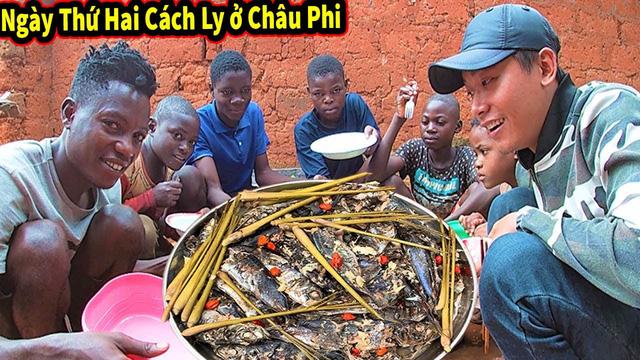 Review cuộc sống ở châu Phi, youtuber Việt đạt 1 triệu đăng ký sau 1 năm, thu nhập vài trăm triệu/tháng, thường xuyên làm từ thiện cho người nghèo - Ảnh 3.