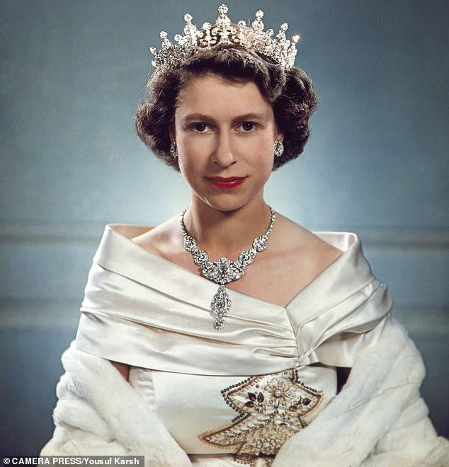 Cuộc sống kỳ lạ của quốc vương giàu nhất lịch sử: Sở hữu khối tài sản đủ nuôi cả thế giới nhưng mỗi tuần chỉ tiêu 30 nghìn đồng - Ảnh 4.