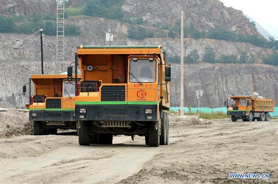 Công nhân mỏ Trung Quốc điều khiển máy móc từ xa bằng mạng 5G, chẳng khác nào đang chơi điện tử ngoài đời thật - Ảnh 5.