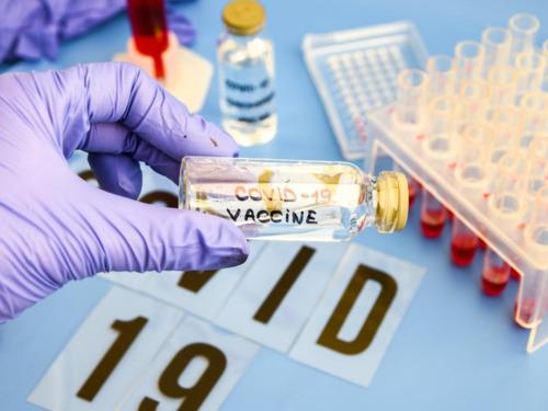 Nhà khoa học Harvard tự chế vắc-xin COVID-19 dạng xịt mũi và thử nghiệm trên bản thân mình - Ảnh 5.