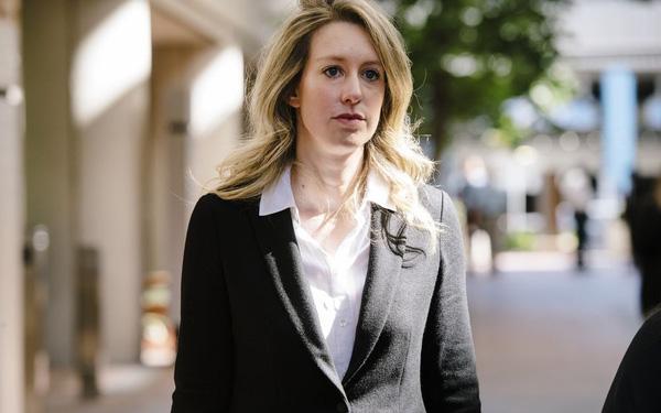 Nữ CEO xinh đẹp của startup xét nghiệm máu cú lừa thế kỷ tự nhận mắc bệnh tâm lý nhằm kháng án - Ảnh 1.