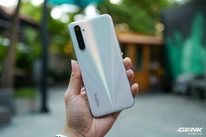 Cận cảnh Realme 7: Smartphone đầu tiên trên thế giới chạy Helio G95, trang bị 4 camera cảm biến Sony, màn 90Hz, sạc nhanh 30W, sẽ có giá chính thức tại Việt Nam vào ngày 21/9 - Ảnh 3.