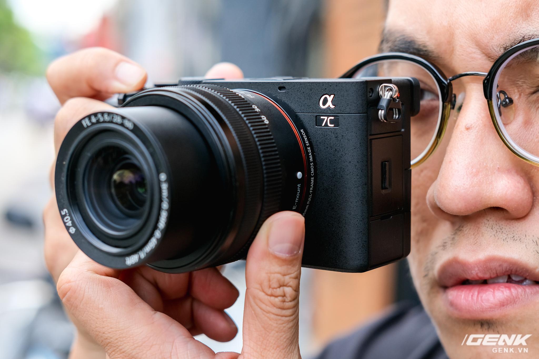Trên tay chiếc máy ảnh Full Frame nhỏ nhất của Sony tại Việt Nam: Đẹp, nhẹ và mạnh mẽ - Ảnh 9.