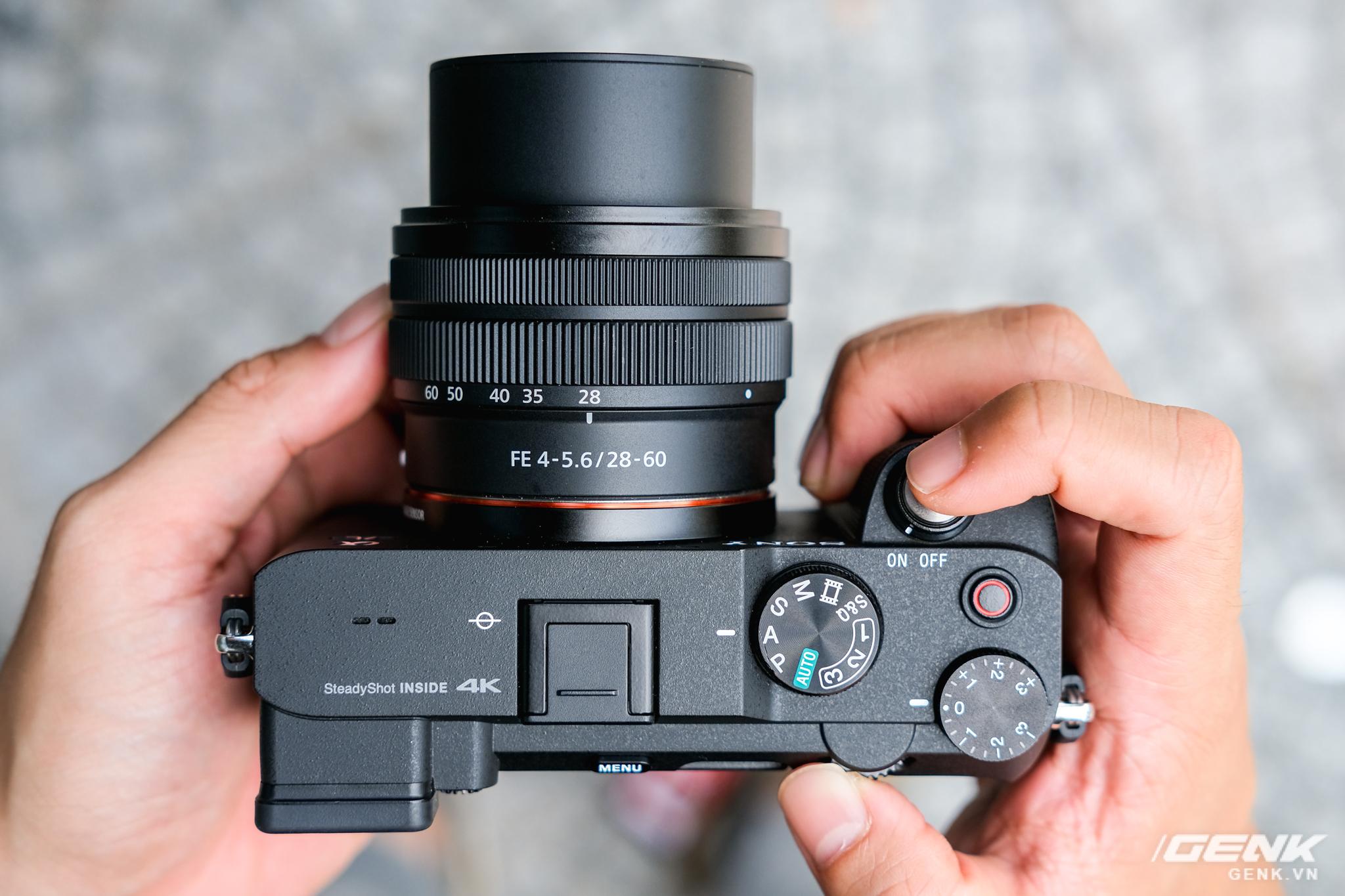 Trên tay chiếc máy ảnh Full Frame nhỏ nhất của Sony tại Việt Nam: Đẹp, nhẹ và mạnh mẽ - Ảnh 2.