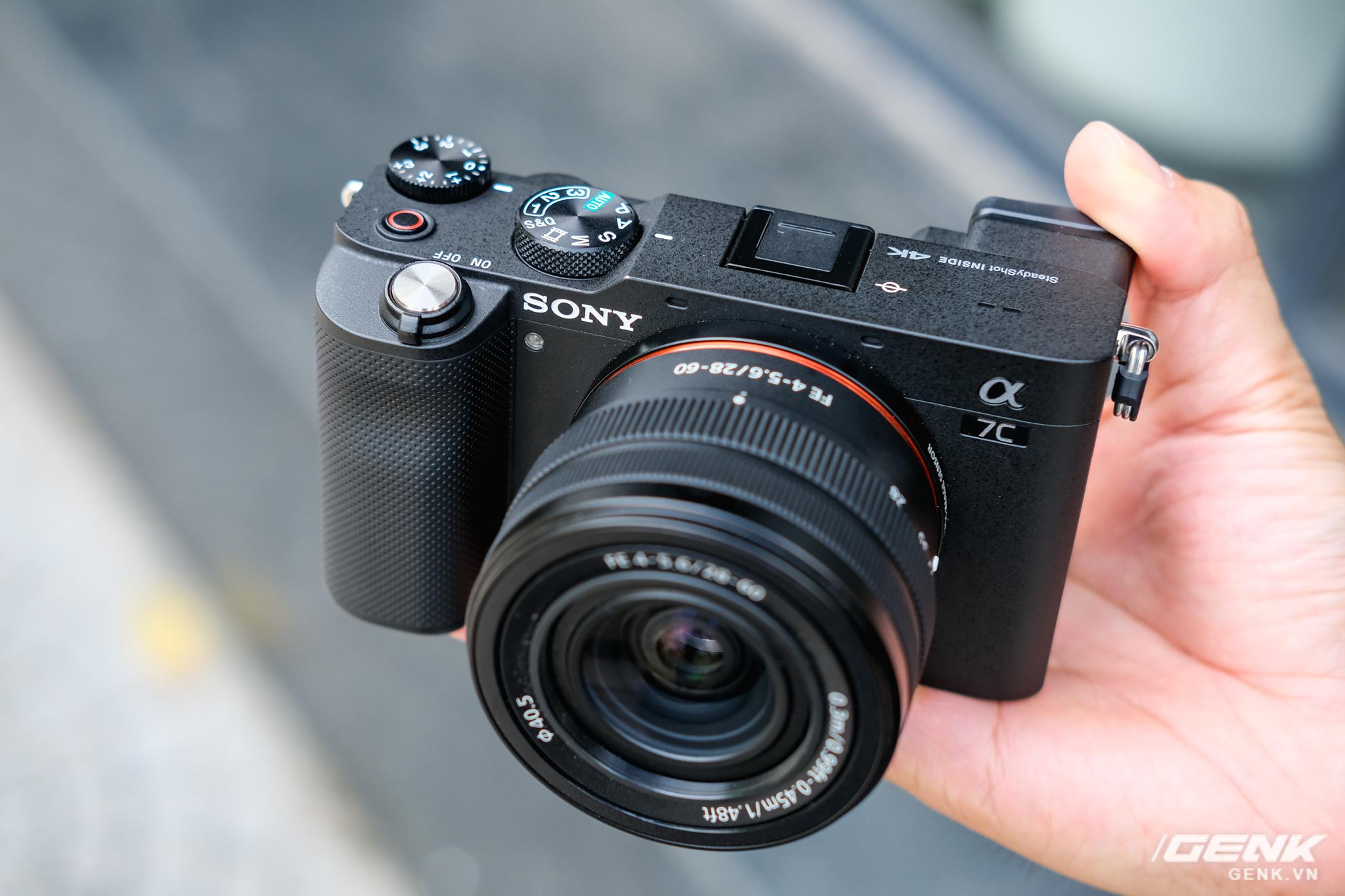 Trên tay chiếc máy ảnh Full Frame nhỏ nhất của Sony tại Việt Nam: Đẹp, nhẹ và mạnh mẽ - Ảnh 14.
