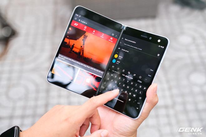Samsung Galaxy Z Fold2 vs. Microsoft Surface Duo: Cuộc chiến giữa hai gã smartphone dị biệt - Ảnh 7.