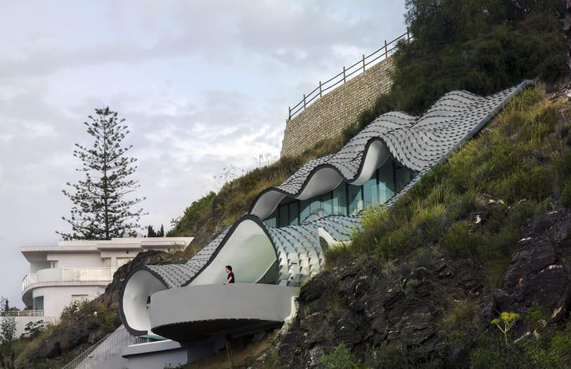Nhìn ngắm 8 tuyệt tác kiến trúc chơi vơi nơi cảnh vắng - Ảnh 8.