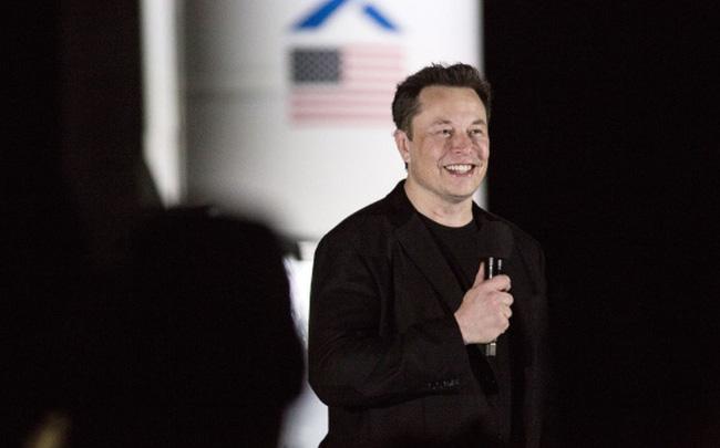 Cổ phiếu Tesla lao dốc nhưng Elon Musk vẫn vượt qua thử thách và tiến thêm 1 bước đến phần thưởng 50 tỷ USD - Ảnh 1.