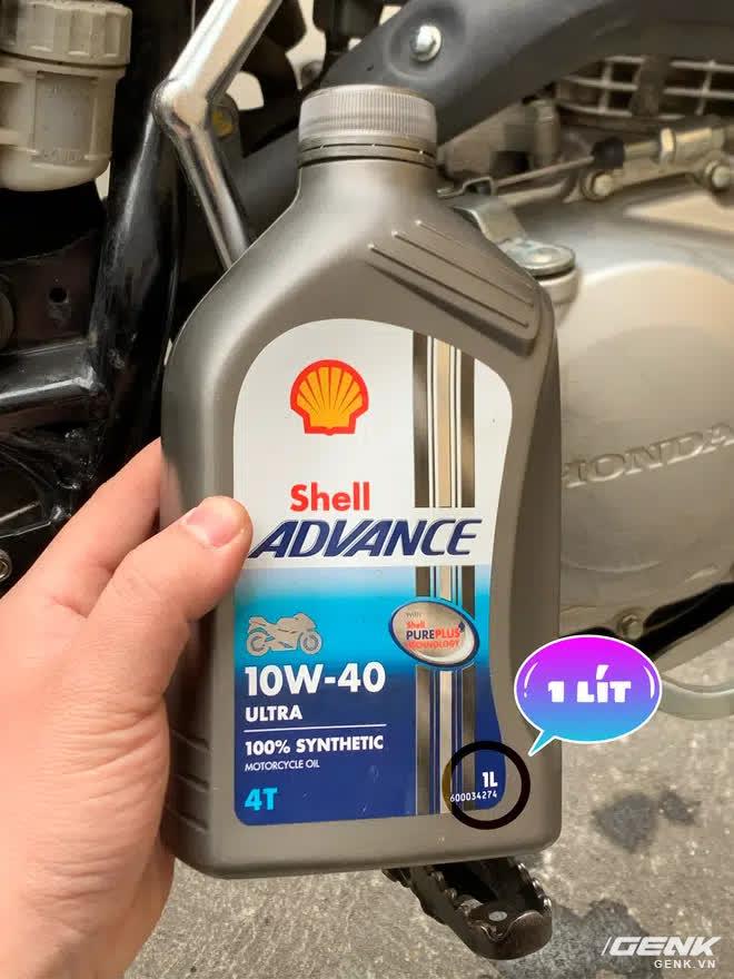 Thử mua bình dầu 1 lít cho xe máy về đong lại xem có đúng 1 lít, phát hiện lý do phần lớn xe máy đều đang đổ thừa dầu - Ảnh 2.