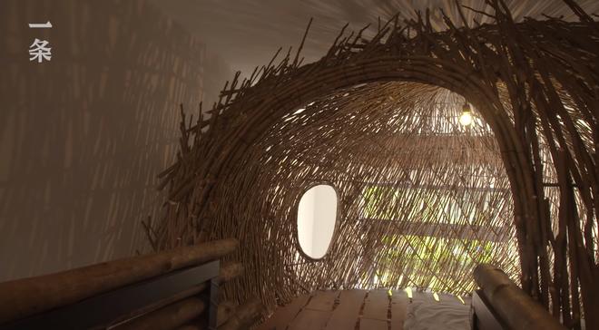 """Lạ lùng căn nhà không giường, không ghế nhưng xây cầu, """"tổ chim"""" bên trong, tất cả đều bằng gỗ - Ảnh 8."""