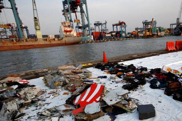 7 sự thật về hộp đen - Vật dụng tối quan trọng để biết chuyện gì đã xảy ra với chiếc máy bay Boeing 737 vừa rơi thảm khốc tại Indonesia - Ảnh 1.