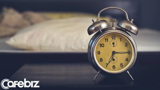 Phép toán Jeff Bezos dùng để chứng minh giấc ngủ 8 tiếng là con số 'vàng': Thức thêm vài tiếng chưa chắc đã tốt hơn! - Ảnh 2.