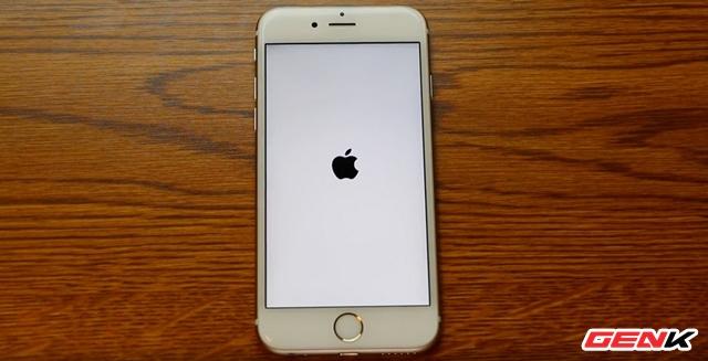 Cách chẩn đoán và khắc phục lỗi iPhone khởi động lại liên tục - Ảnh 1.