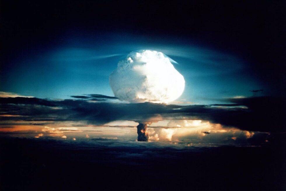 Bạn quên ví trên xe bus? Thế bạn đã quên công thức tối mật làm bom Hydro trên tàu hỏa bao giờ chưa? - Ảnh 4.