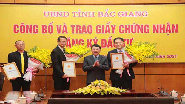 Nóng: Foxconn đã được cấp giấy phép xây dựng nhà máy 270 triệu USD tại Việt Nam, sẽ sản xuất MacBook và iPad - Ảnh 1.