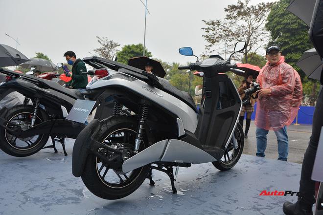Ra mắt VinFast Theon: Xe máy điện to như Honda SH, có ABS 2 kênh và nhiều công nghệ 'xịn xò' khác - Ảnh 3.