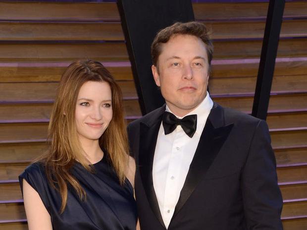 Đường tình duyên đặc sắc như phim của tỷ phú lập dị Elon Musk: Đầy đủ tình tiết thanh xuân vườn trường, drama showbiz kể mãi không hết - Ảnh 2.