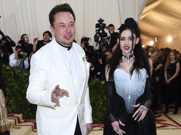 Đường tình duyên đặc sắc như phim của tỷ phú lập dị Elon Musk: Đầy đủ tình tiết thanh xuân vườn trường, drama showbiz kể mãi không hết - Ảnh 4.