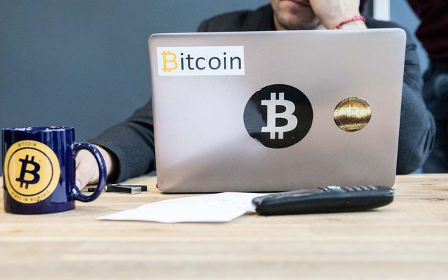 Bitcoin lao dốc thảm, đây là từ khóa mà người chơi coin đổ xô tìm kiếm trên Google để tìm ra nguyên nhân - Ảnh 1.