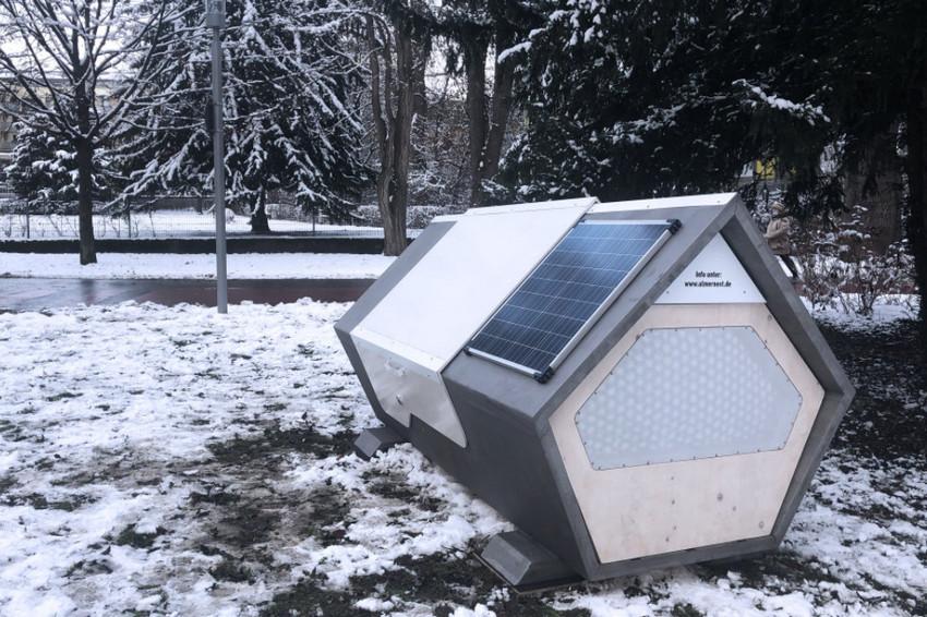 """Thành phố Đức thử nghiệm phòng ngủ """"kén tằm""""giúp người vô gia cư vượt qua mùa đông khắc nghiệt - Ảnh 1."""