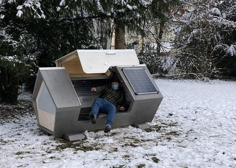 """Thành phố Đức thử nghiệm phòng ngủ """"kén tằm""""giúp người vô gia cư vượt qua mùa đông khắc nghiệt - Ảnh 5."""