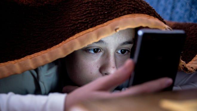 3 nguy cơ tiềm ẩn khi duyệt trang web không lành mạnh trên smartphone, giờ biết cũng chưa muộn - Ảnh 2.